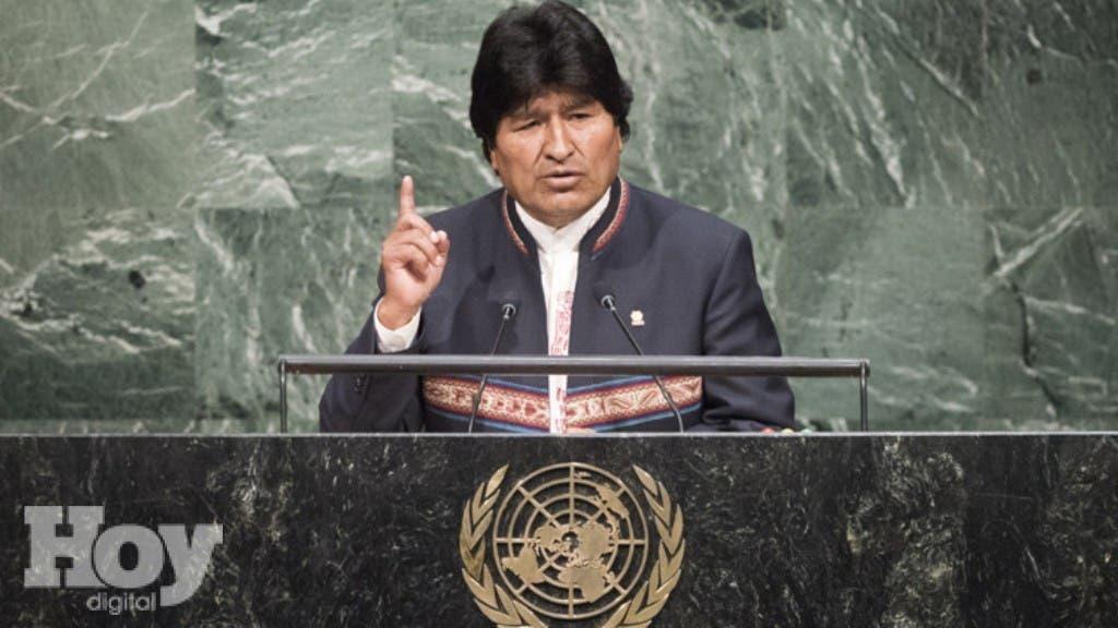 """El presidente de Bolivia, Evo Morales, afirmó hoy que vio un """"interés"""" de su homóloga chilena, Michelle Bachelet, en dialogar sobre la reclamación marítima boliviana, después de que ambas autoridades coincidieran brevemente el lunes en la sede de la ONU en Nueva York"""