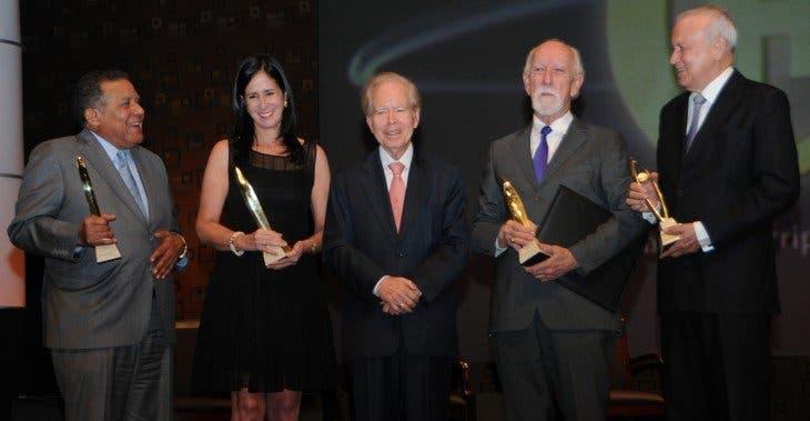"""La Fundación Corripio en la séptima entrega de los premios """"Fundación Corripio"""", donde fueron reconocidas tres personalidades y una institución por su trayectoria y aportes en beneficio del país"""