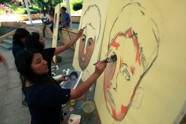Artistas muestran su humanismo en año de solidaridad con los 43 desaparecidos
