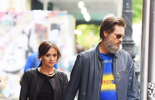 La novia del actor estadounidense Jim Carrey murió en su casa en California en un aparente suicidio, informó la policía