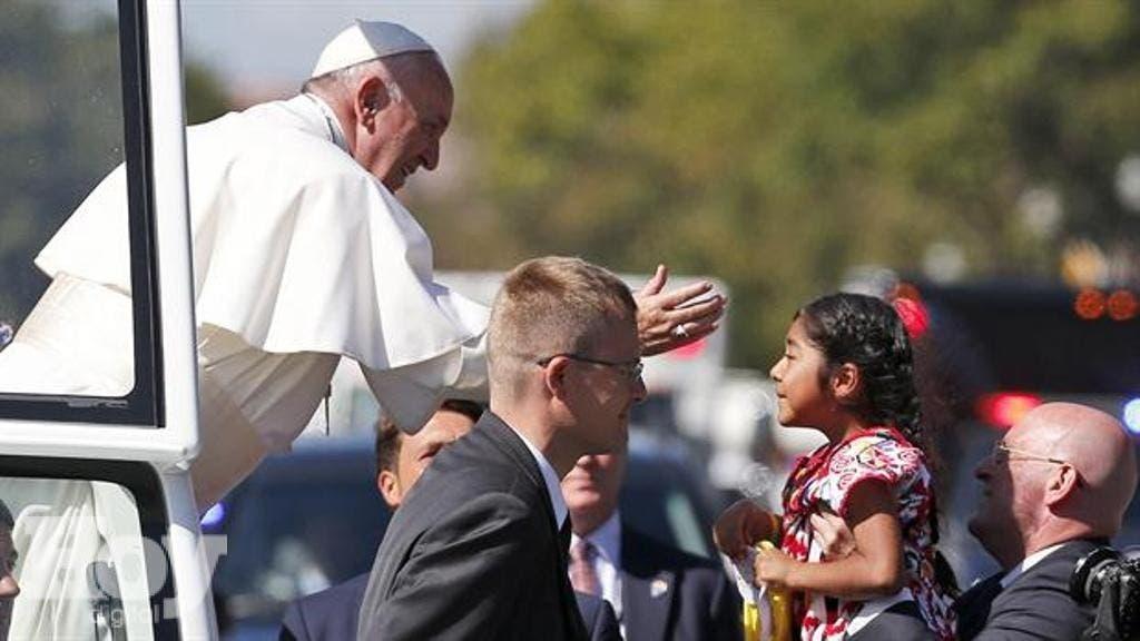 Grupo defensor migrantes preparó encuentro de papa con niña