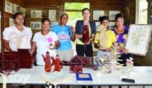 La Asociación de Artesanos de Montecristi espera el rápido despertar de la provincia