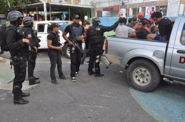 DNCD desmantela laboratorios de fabricación de drogas en Santiago y Puerto Plata