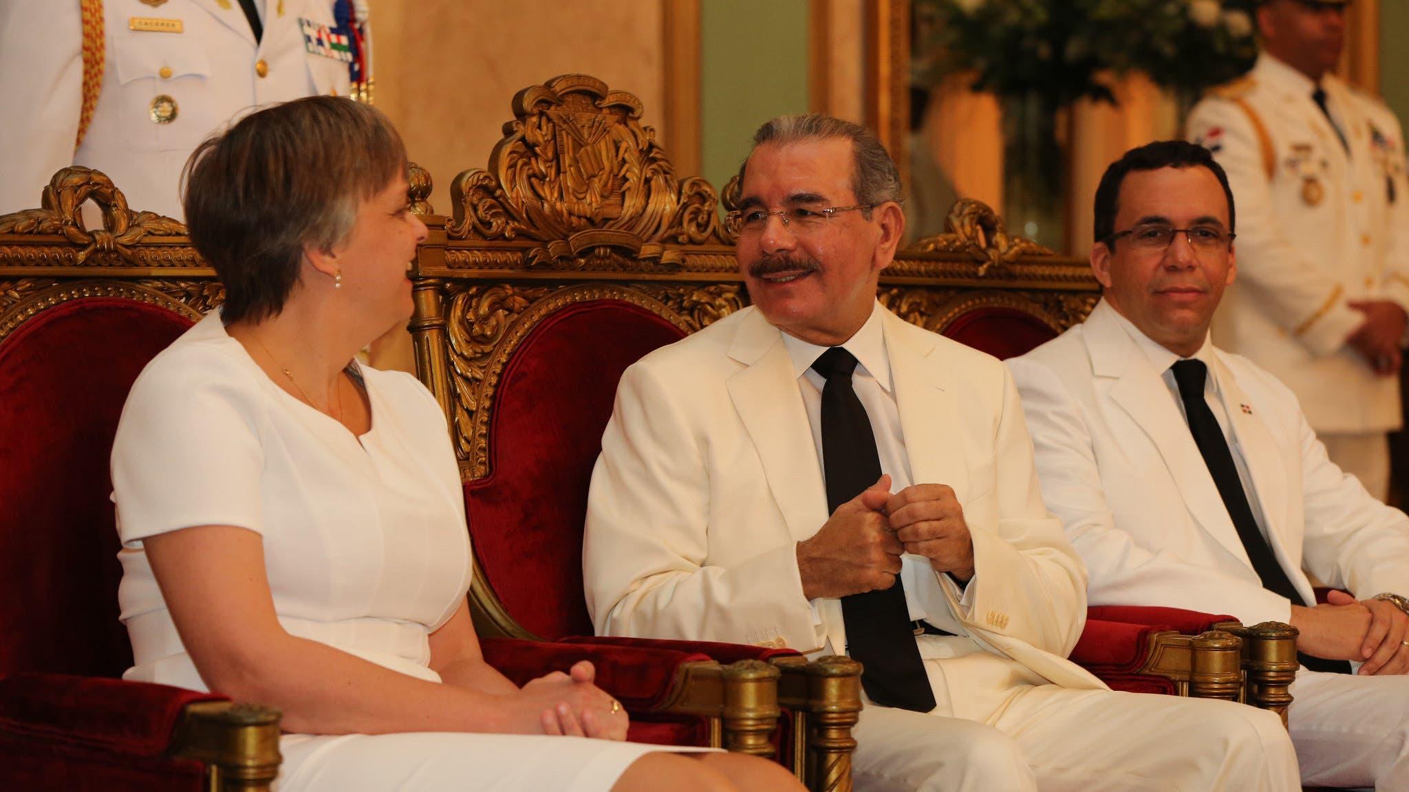 Medina recibe cartas credenciales de cuatro nuevos embajadores
