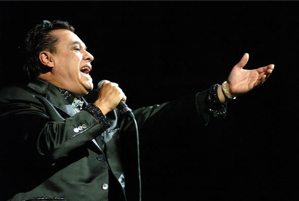 Con el apoyo de Juan Gabriel, debuta Guillermo Otero