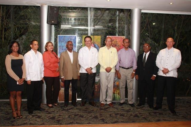 Miembros del Jurado del Premio Nacional de Periodismo Turítico Epifanio Lantigua 2015 (1)