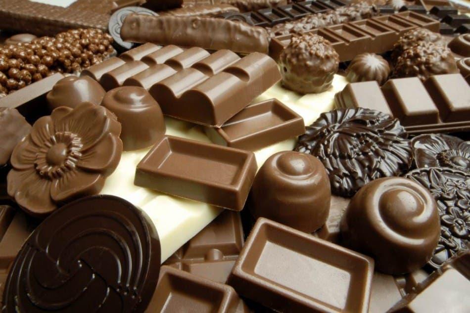 Bélgica celebra Día del Chocolate con esculturas de chocolate de 550 kilos