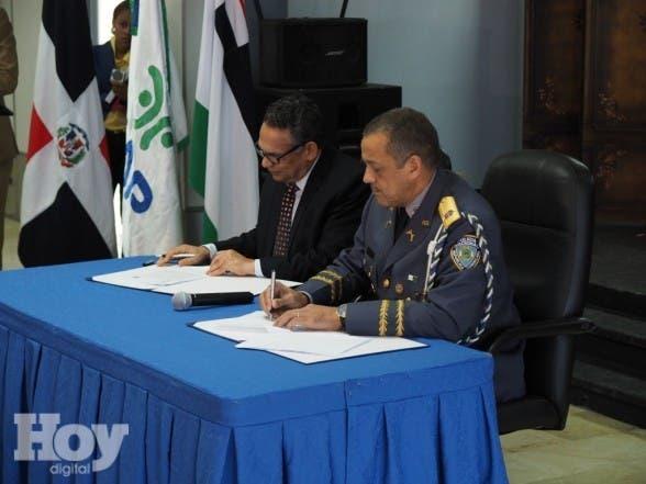 MAP  asistirá a la Policía Nacional para mejorar la calidad del servicio. Según un convenio rubricado en la mañana de este jueves, también revisará y adecuará la estructura organizativa de la institución del orden.