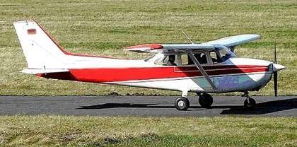 20151125091521_piloto-aterriza-su-avioneta-frente-_tn1