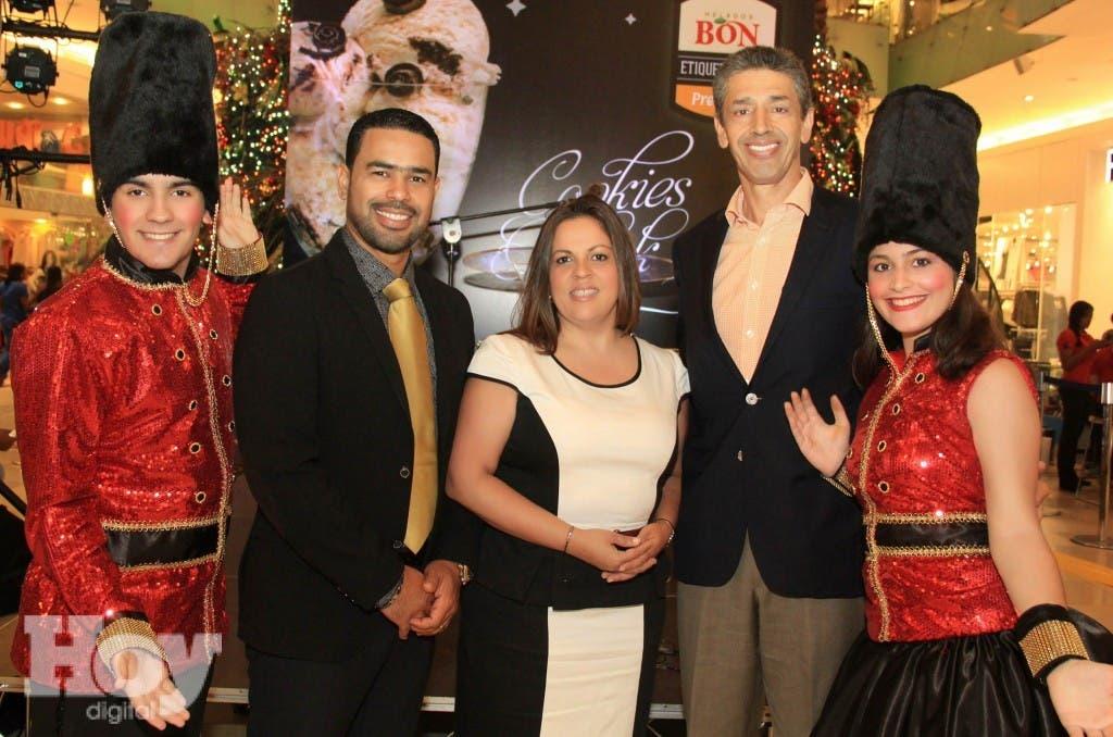 Foto 1A - Gabriel Frías, Roberto Caraballo, Carolina Pataleón, Luis Enciso e Idette Valenzuela.