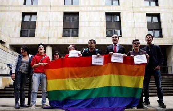 Comunidad LGBT colombiana celebra aval a adopción gay como avance de derechos
