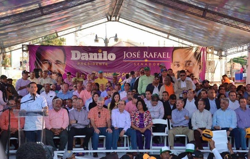 Jose Rafael Vargas lanza
