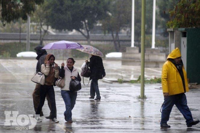 En el  Gran Santo Domingo. La temperatura máxima estará  entre  30ºC y 32ºC  y la mínima entre 20ºC y 22ºC.