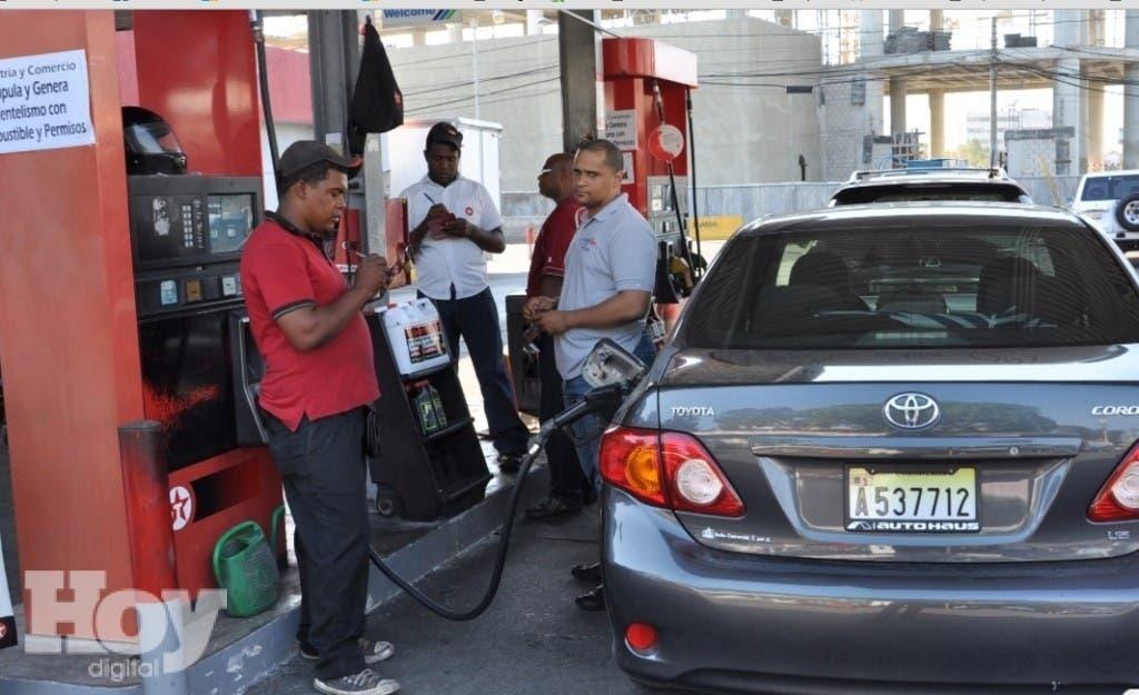 El GLP baja 3 pesos, pero las gasolinas suben 2