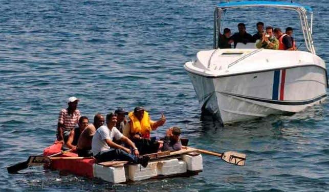 EE.UU. repatría a 169 cubanos interceptados en el mar