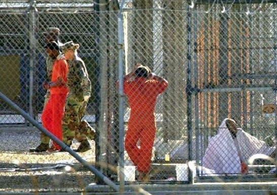 Presos de Guantanamo 7y