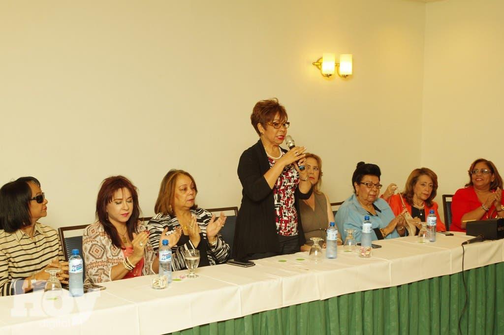Rafaela Alburquerque convoca a las mujeres reformistas a caminar el pais promoviendo a Danilo Medina