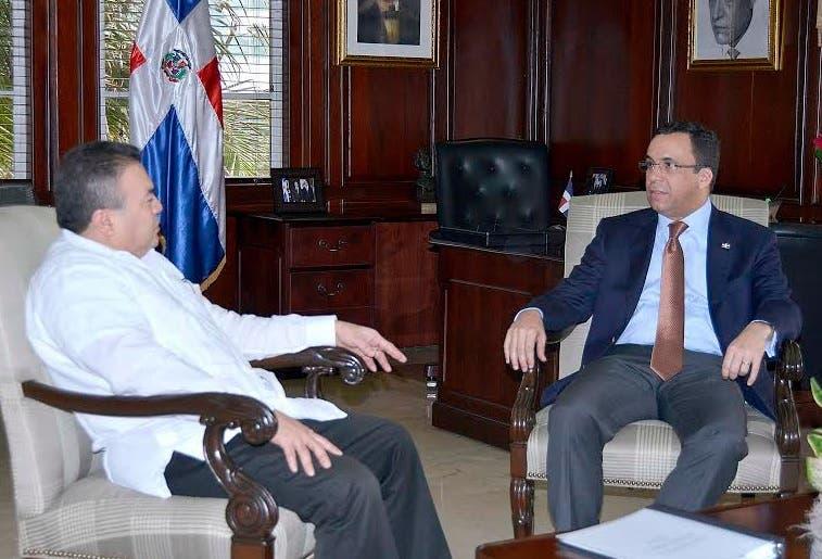 Canciller RD y  secretario adj OEA