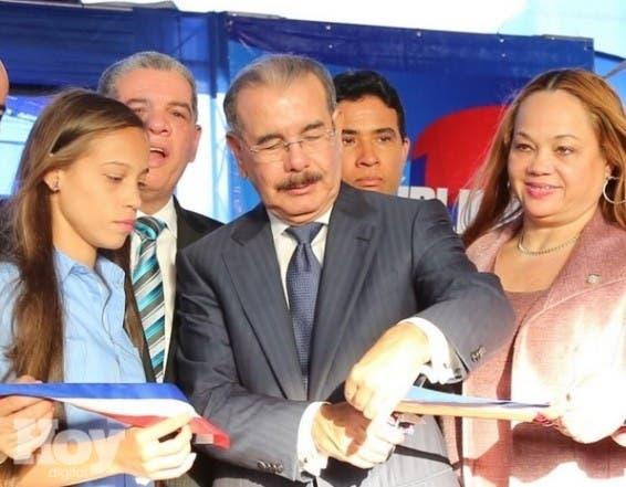 Danilo Medina inaugu