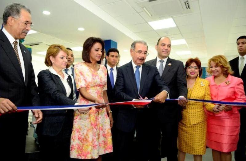 Presidente Medina encabeza en SJM inauguración centro de negocios Banreservas