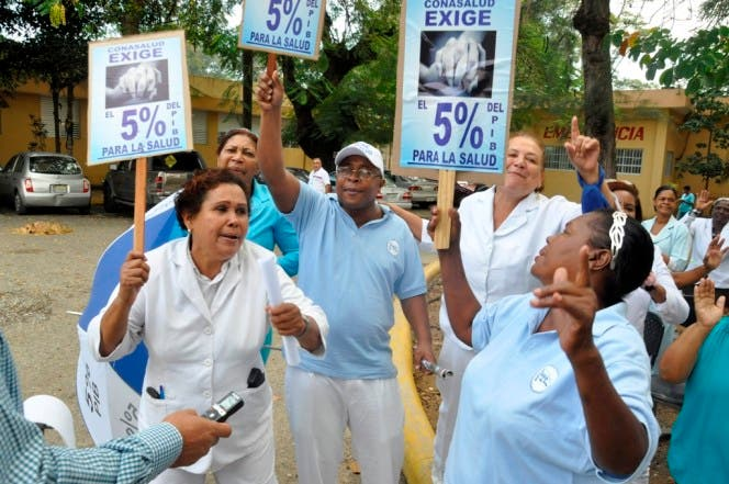 Los médicos se mantienen en pie de lucha. Hoy / Francisco Reyes