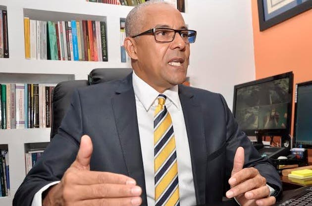Julio César de la Rosa Tiburcio, presidente de la Alianza Dominicana Contra la Corrupción (ADOCCO). Fuente externa.