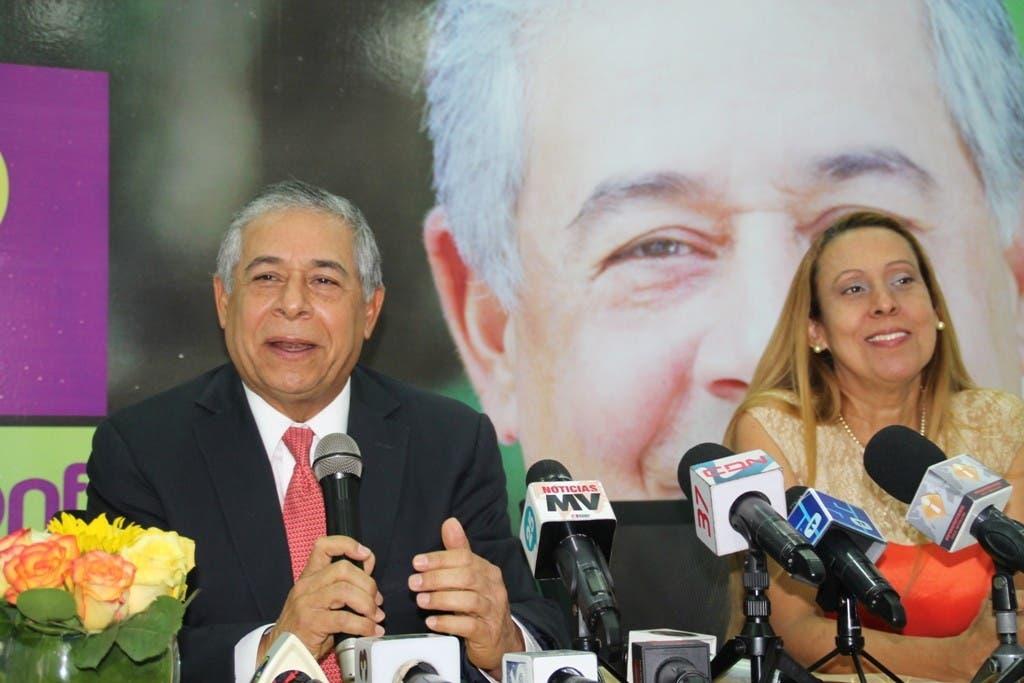 Roberto Salcedo y Taina Gautreau