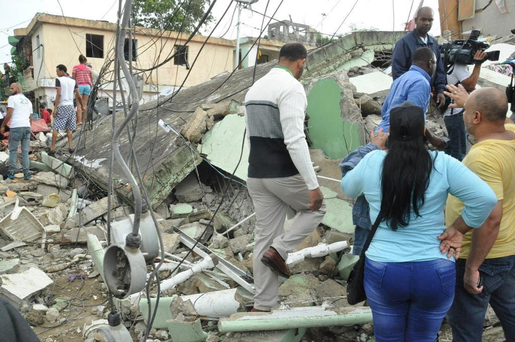 La destrucción fue masiva tras explosión de bomba de gas en Los Ríos. Foto: Francisco Reyes.