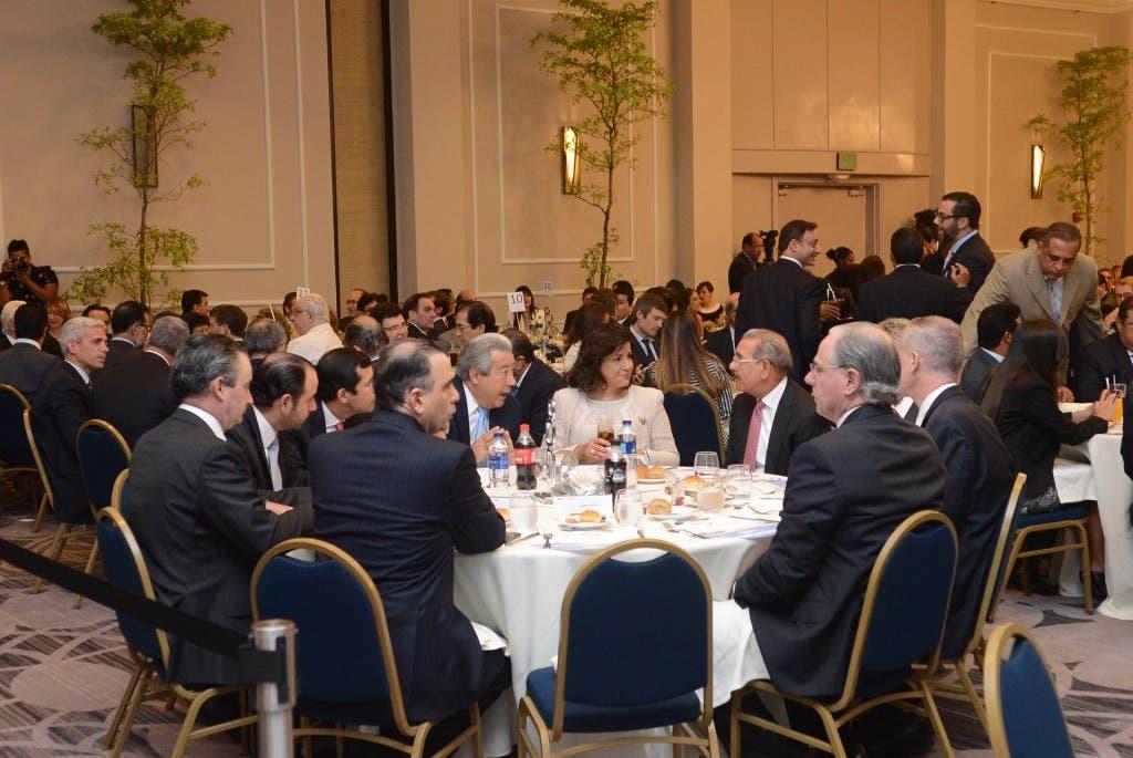 El almuerzo se realizó en uno de los hoteles de la capital ubicado en la avenida George Washington