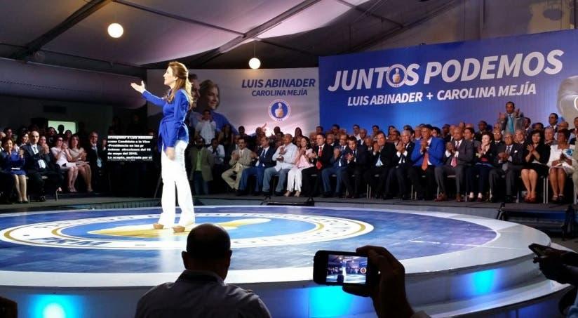 """""""El pueblo quiere un cambio. Luis representa ese cambio"""" proclamó Carolina Mejía."""