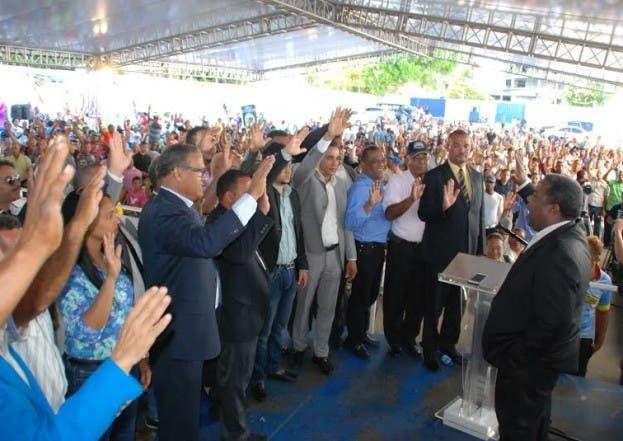 Dirigentes del PQDC y PRM pasan