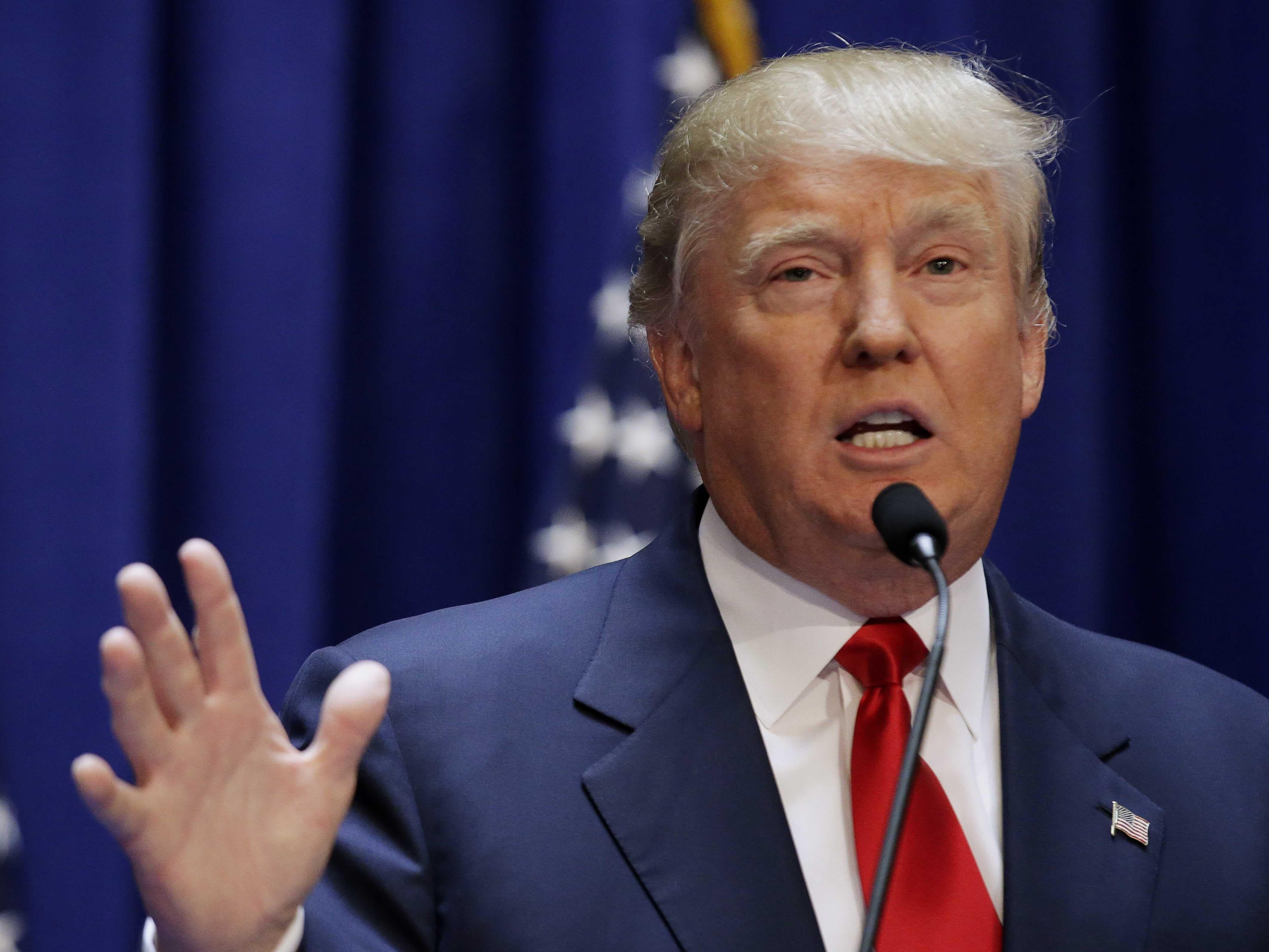 Donald Trump llama estúpido a Barack Obama