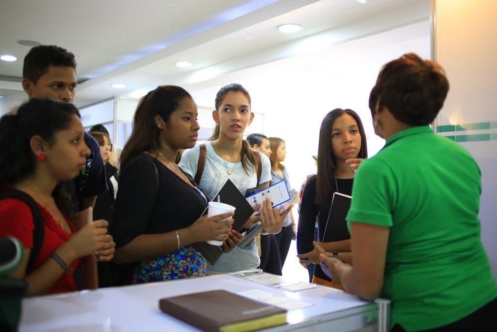 Foto 4 - Estudiantes reciben orientaciones