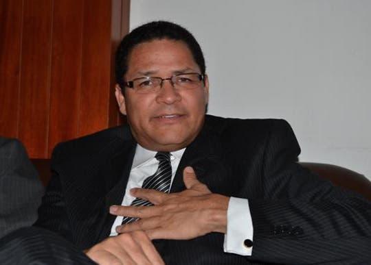 Gedeón Santos plantea sustituir Indotel por un ministerio de comunicación