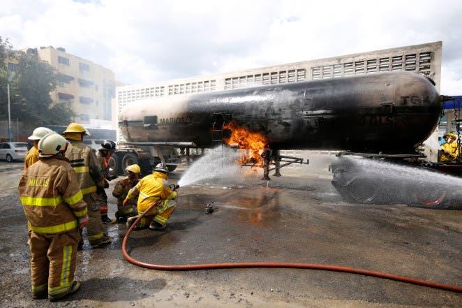 Explosión de la planta de gas Mariot Gas en el sector de Alma Rosa en Santo Domingo Este. Hoy/Arismendy Lora