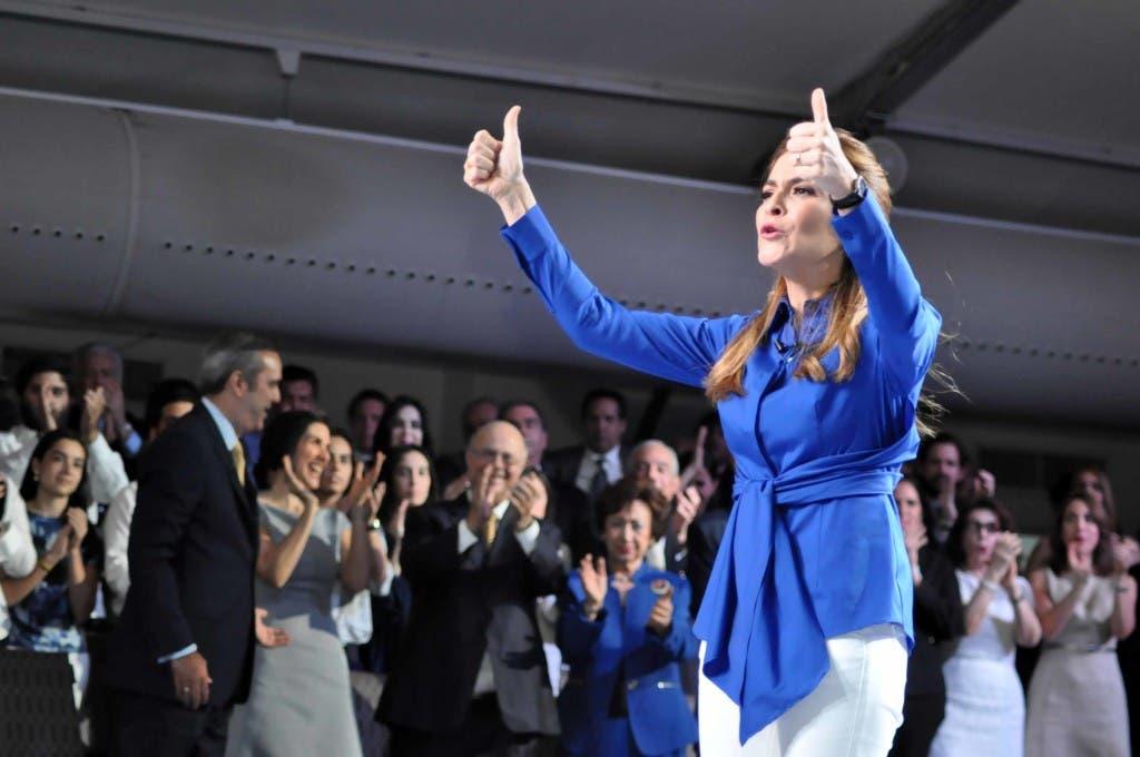 País/ Candidato a la Presidencia por PRM Luis Abinader, presenta su candidata a la vice-presidencia. Carolina Mejía, hija del ex presidente Hipólito Mejía. 07-03-16 Foto: José Adames Arias.