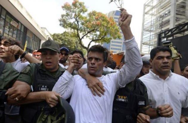 López propone al Parlamento venezolano una ruta para sacar a Maduro del poder