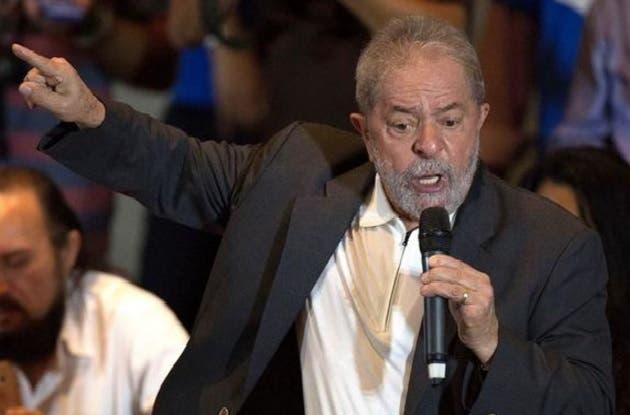 """Luiz Inácio Lula  indicó """"Prueben e iré caminando para ser detenido""""."""