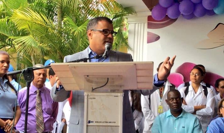 Tommy Galán asegura Medina ha dignificado servicios médicos en San Cristóbal