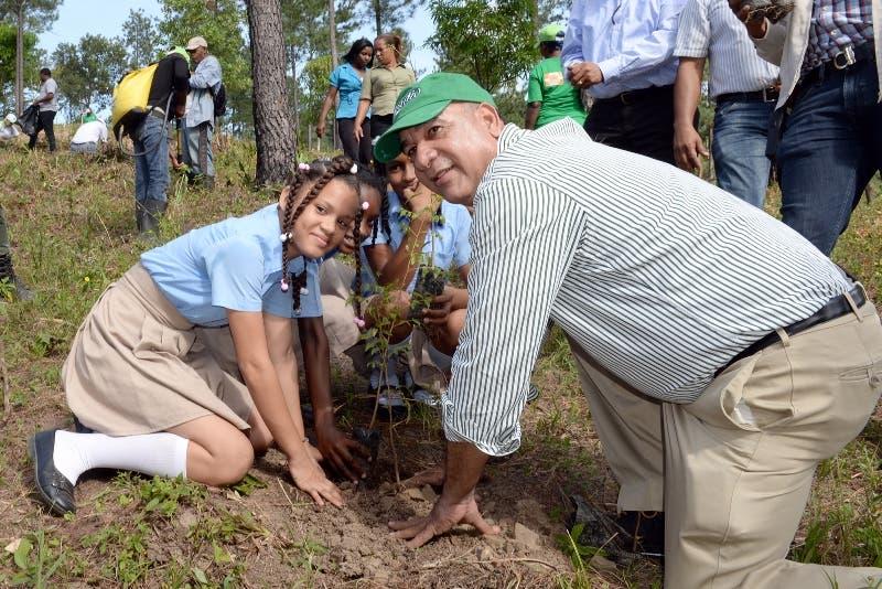 Medio Ambiente invierte más de RD$780 millones en  programas de reforestación