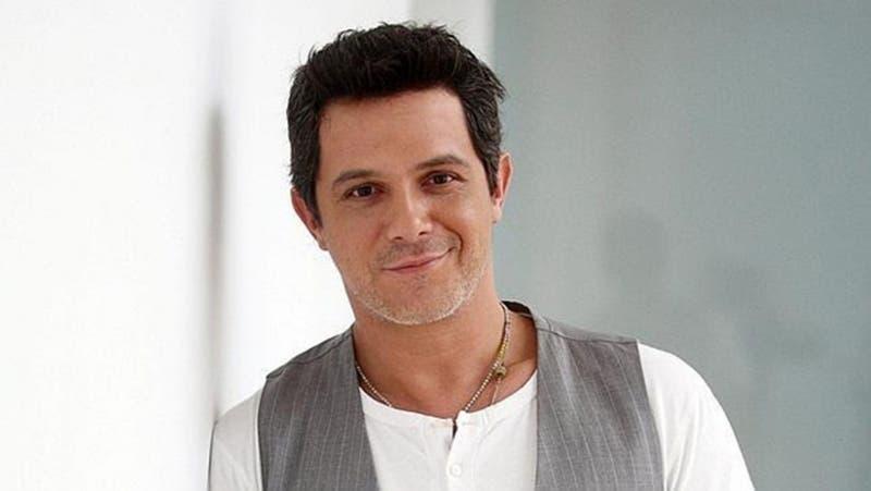 Alejandro-Sanz-tutupash