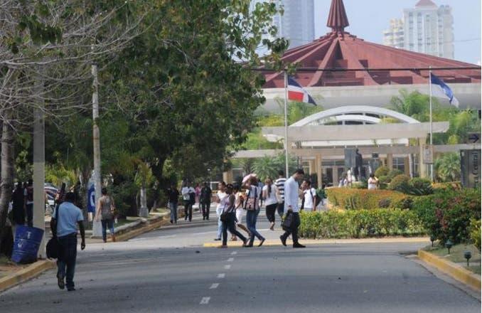 Estudiantes de la UASD