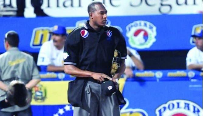 Debuta primer umpire dominicano en Grandes Ligas