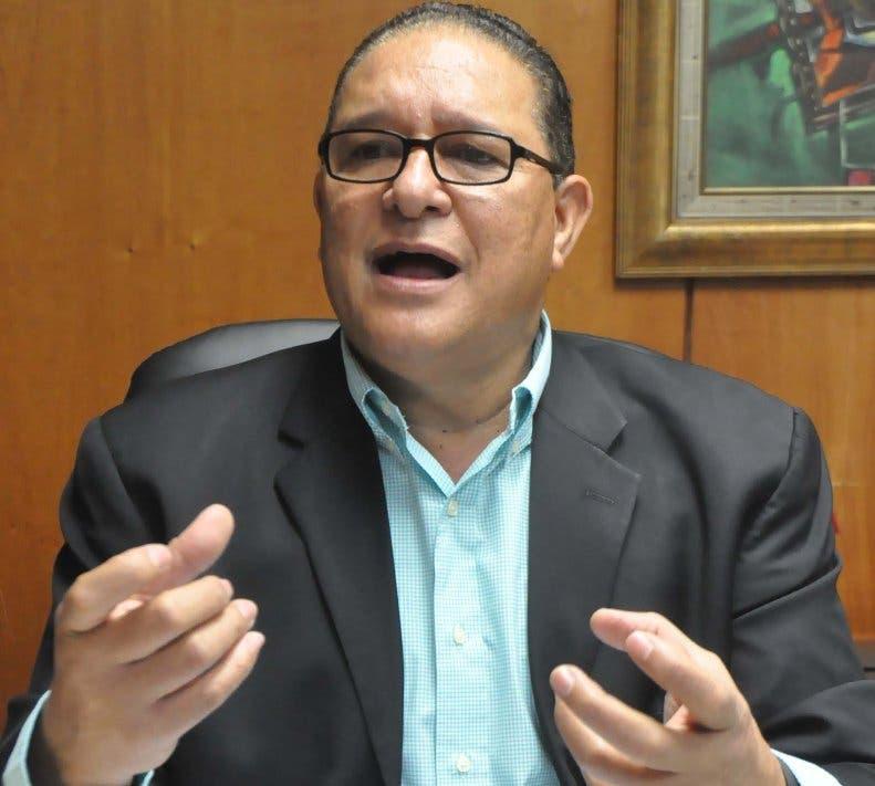 Alejandro-Montás-de-la-CAASD.