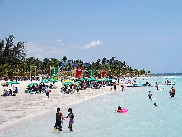 Gobierno inicia proyecto de saneamiento y rescate de playa de Boca Chica