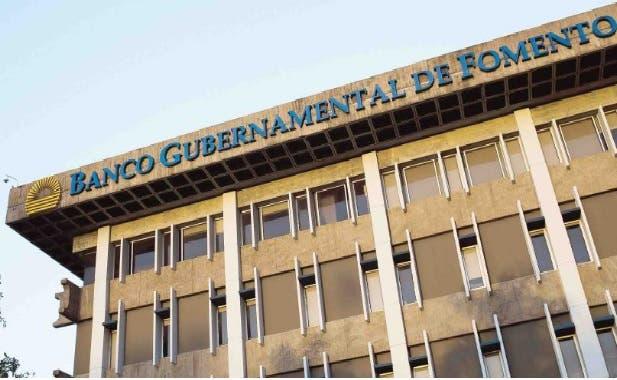 Banca Oriental De Puerto Rico:gobernador de puerto rico alejandro garcía padilla convirtió hoy en