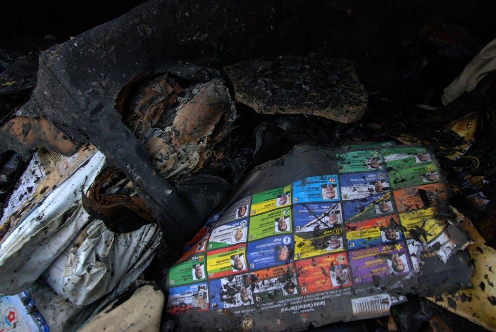 Incendian Junta Electoral Santo Domingo Norte; queman boletas y alcalde inicia huelga de hambre