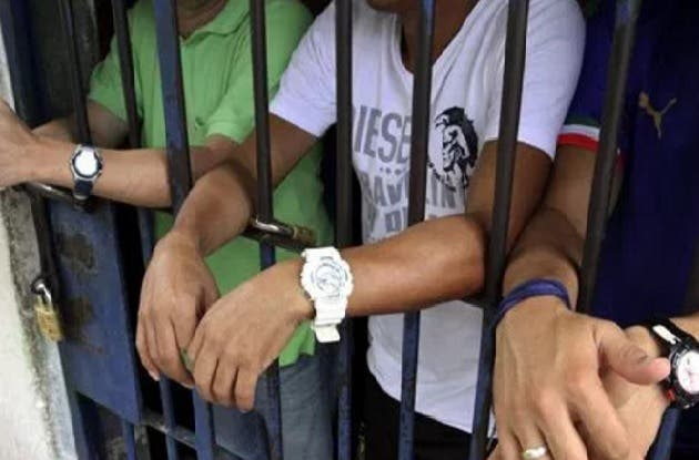 Arrestan a dos dominicanos y un colombiano por enviar heroína a EEUU