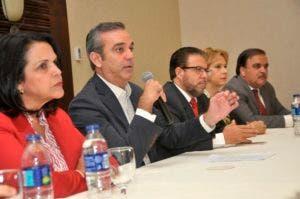 Gallup-Hoy: Mayoría indecisa por candidatos PRM, PRD