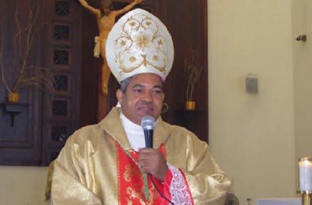«Que los bienes materiales no nos quiten el deseo de servir», dice obispo de Puerto Plata